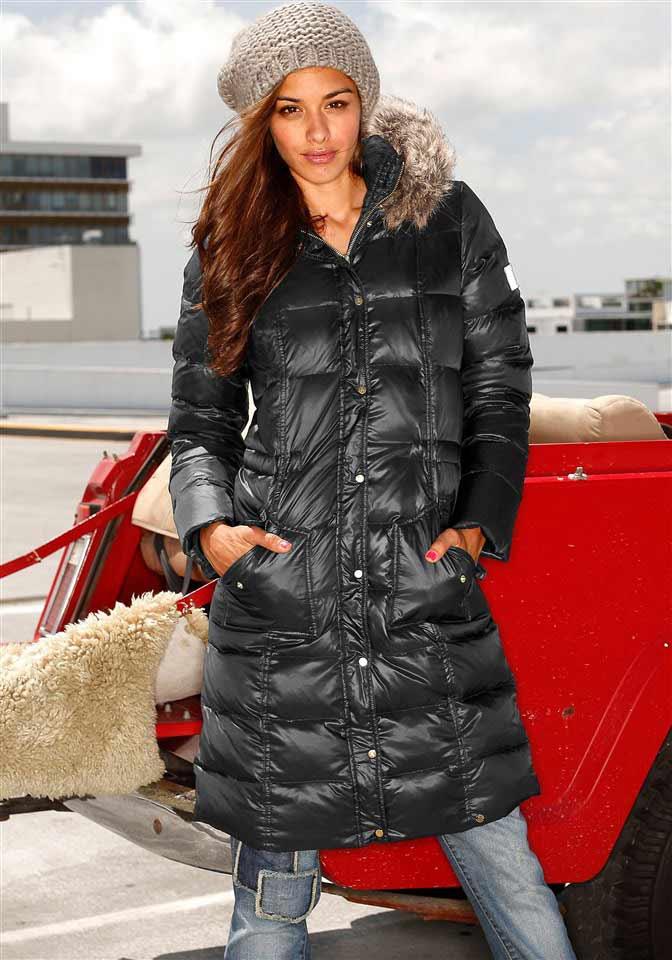 Černý zimní péřový prošívaný kabát AJC (vel.36,38 skladem)
