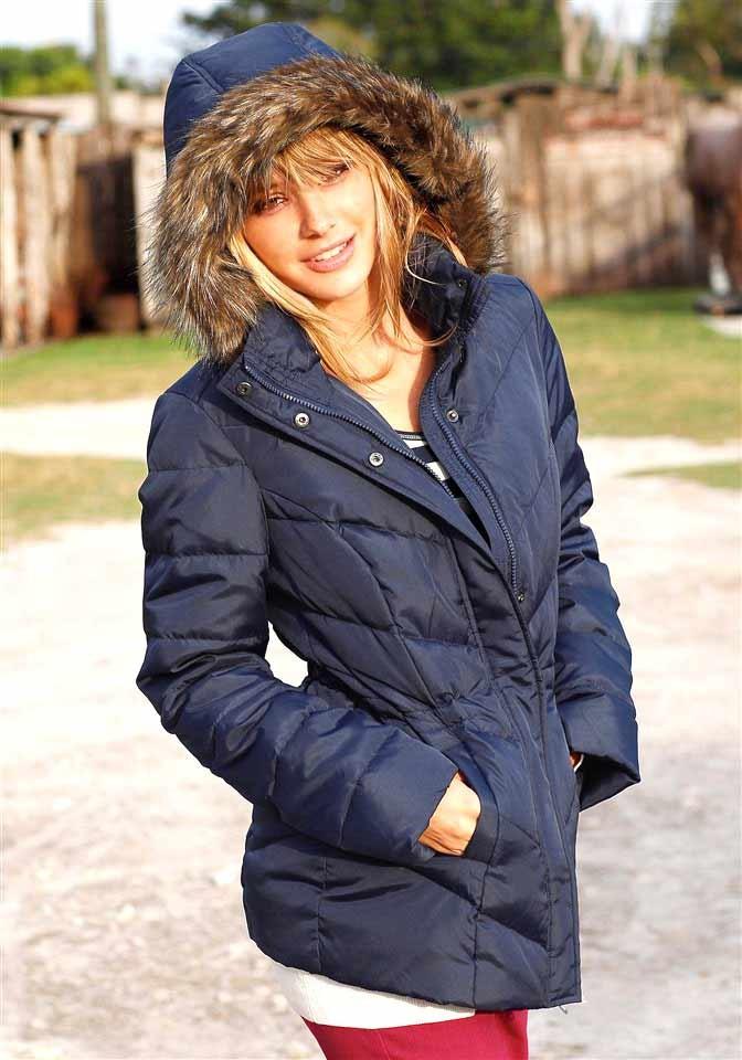Zimní dámská péřová prošívaná bunda (vel.32 skladem)