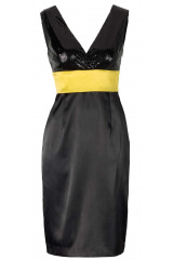 Černé pouzdrové saténové šaty s flitry APART