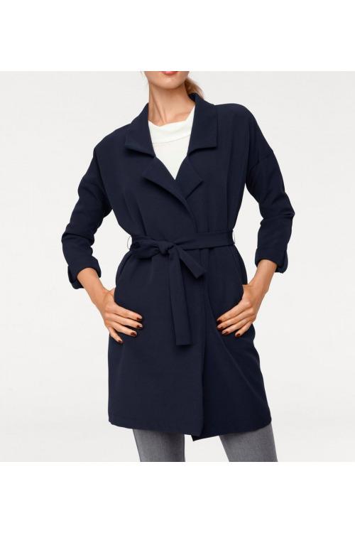 Blejzrový tmavě modrý kabát, Rick Cardona