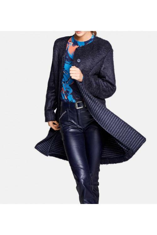 Mohérový flaušový kabát, Rick Cardona