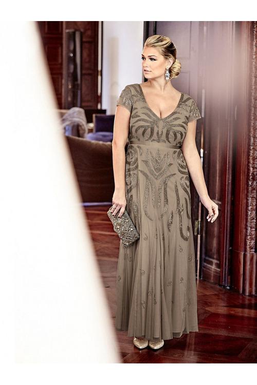 081412320d9 Dlouhé plesové slavnostní šaty vyšívané.