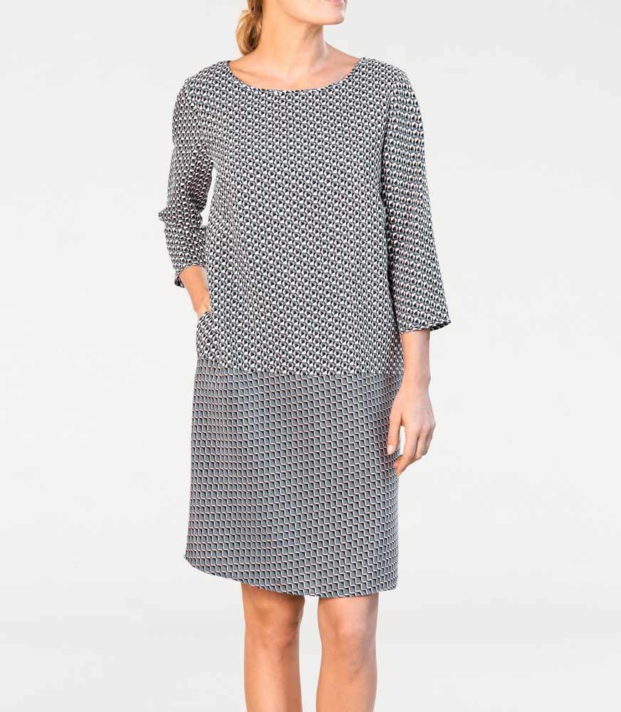 ce01f75c0e4d Šaty s grafickým vzorem také pro plnoštíhlé